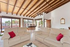 Villa in Bahía Grande - Churruca - with private swimming pool