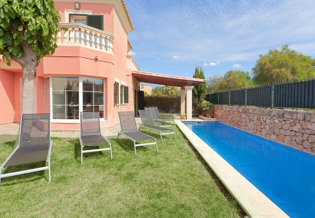 Villa in Puigderrós  - Villa Falzia - with private swimming pool