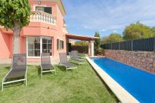Chalet in Puigderrós  - Villa Falzia - with private swimming pool