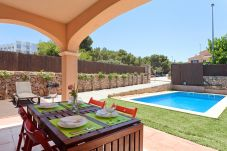 Villa in Puigderrós  - Villa Maioris - with private swimming pool