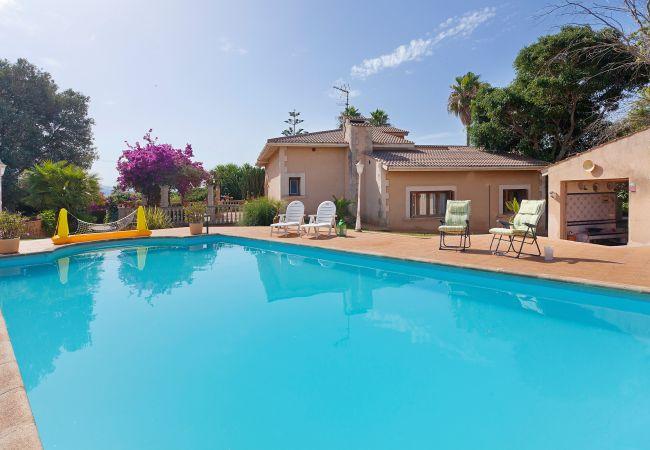 Villa/Dettached house in Palma de Mallorca - Es Garrover - with private swimming pool